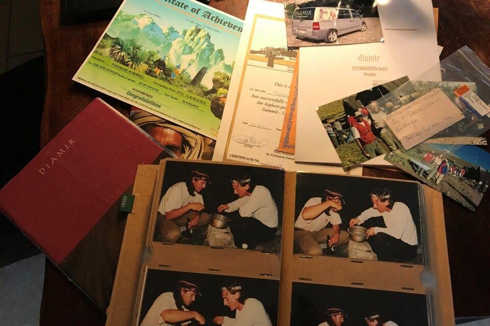 Reisen noch ganz analog. Vom Ticket bis zum Fotoalbum.