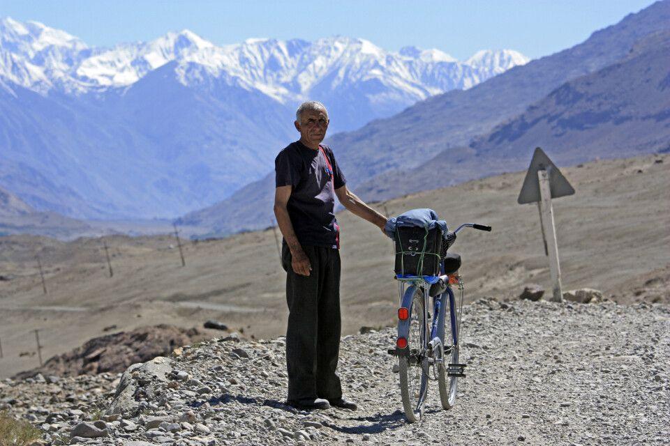 Radfahrer im Wakhan Korridor