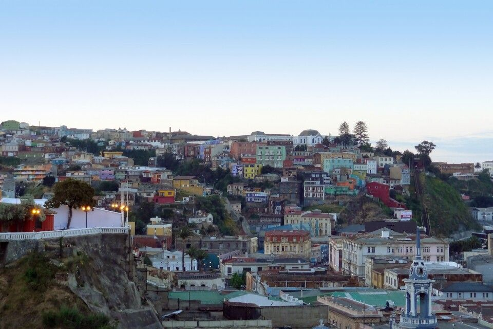 Valparaiso in Abenddämmerung