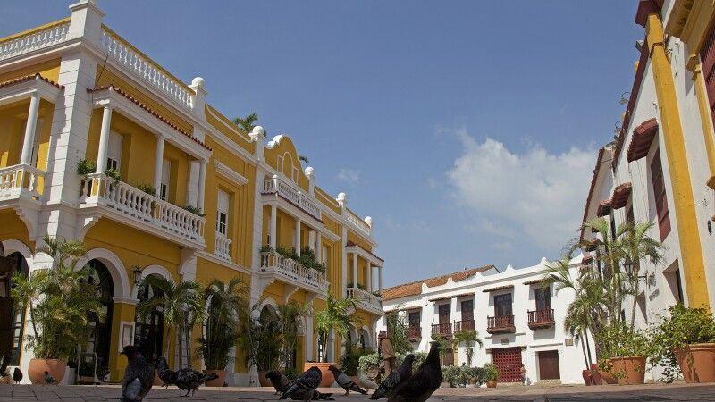 Kolonial anmutende Häuserfassaden in Cartagena an der Karibikküste © Diamir