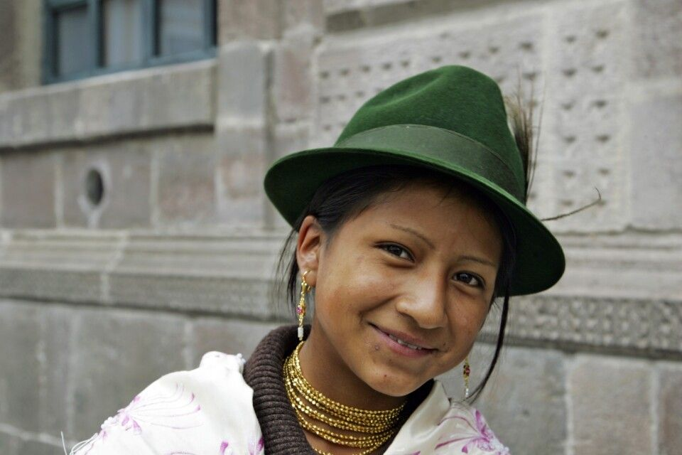 Indigena mit typischem Filzhut