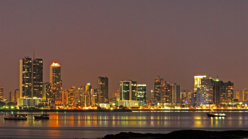 Panama-Stadt bei Nacht © Diamir