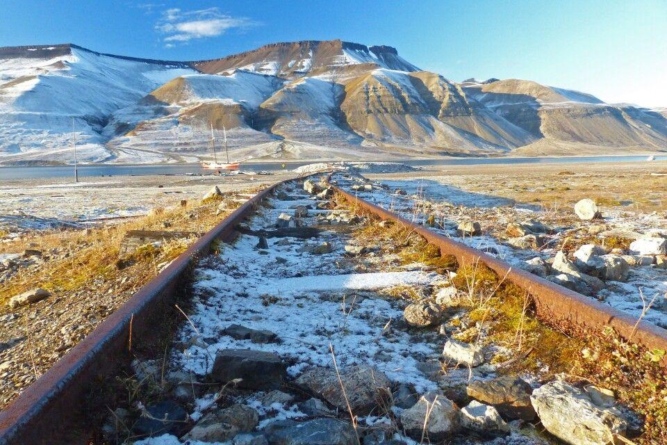 Die Gleise einer alten Kohlegruben-Bahn