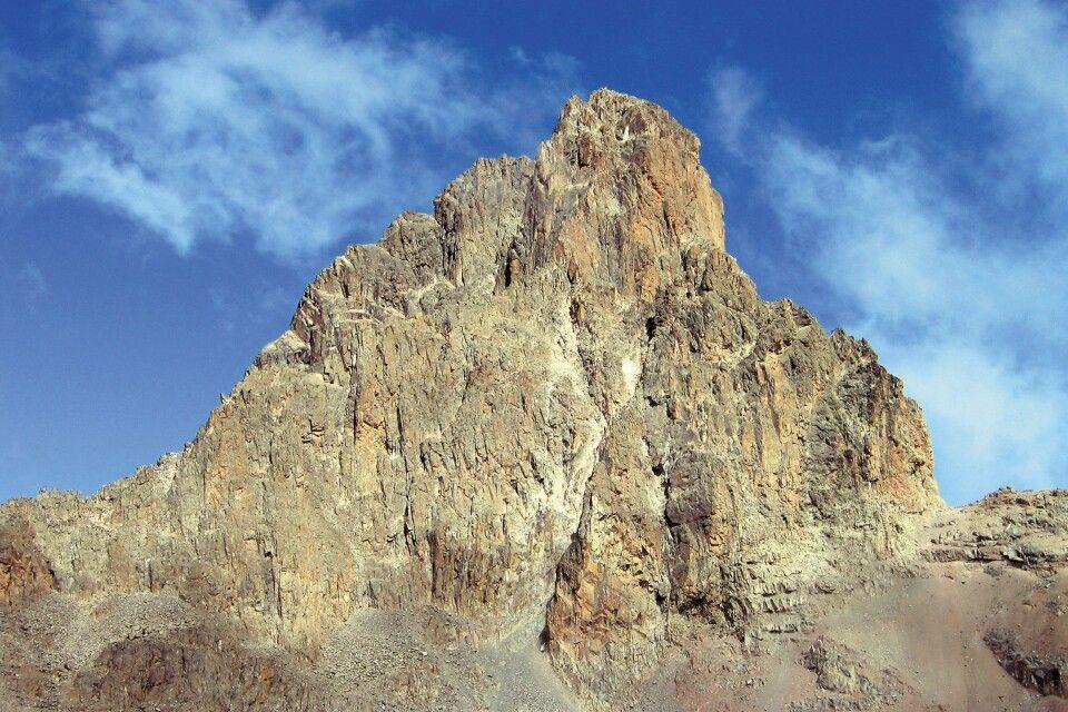 Schroffes Gipfelmassiv des Mount Kenya