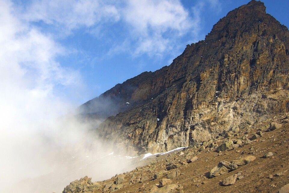 Der macht Eindruck - zackig-schroffer Gipfel des Mawenzi (5148 m)