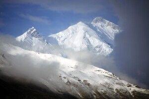 Mit fast 7800 Metern erhebt sich der Rakaposhi etwa 5000m über das Hunza-Tal.