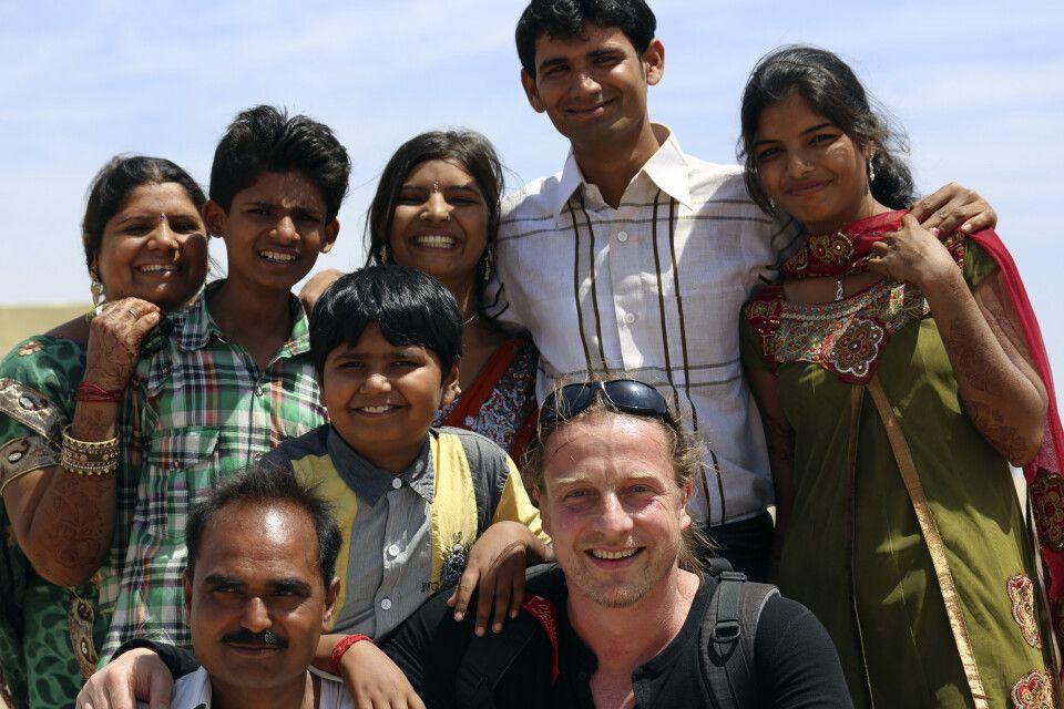 Familie und Gäste in Gujarat