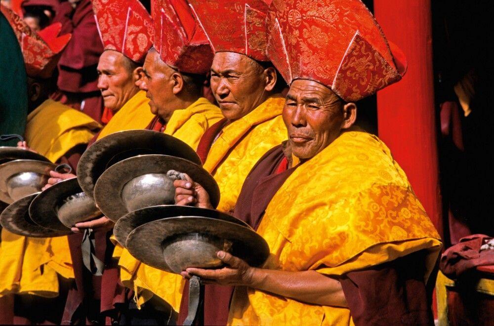 Musizierende Möche beim Klosterfest