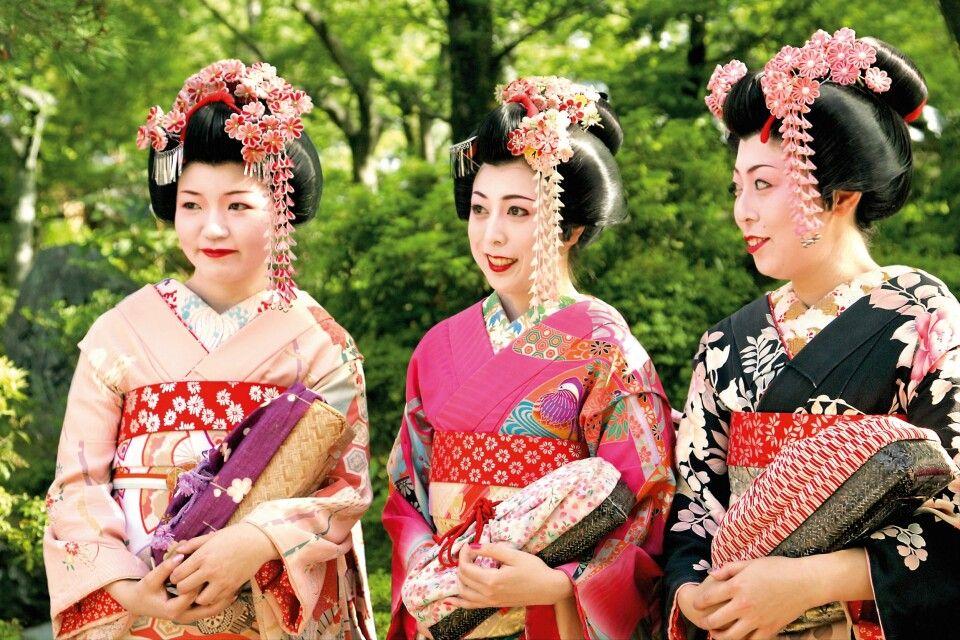 3 Maikos in Kyoto