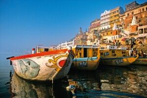 Ghats (Badetreppen) in Varanasi am heiligen Ganges
