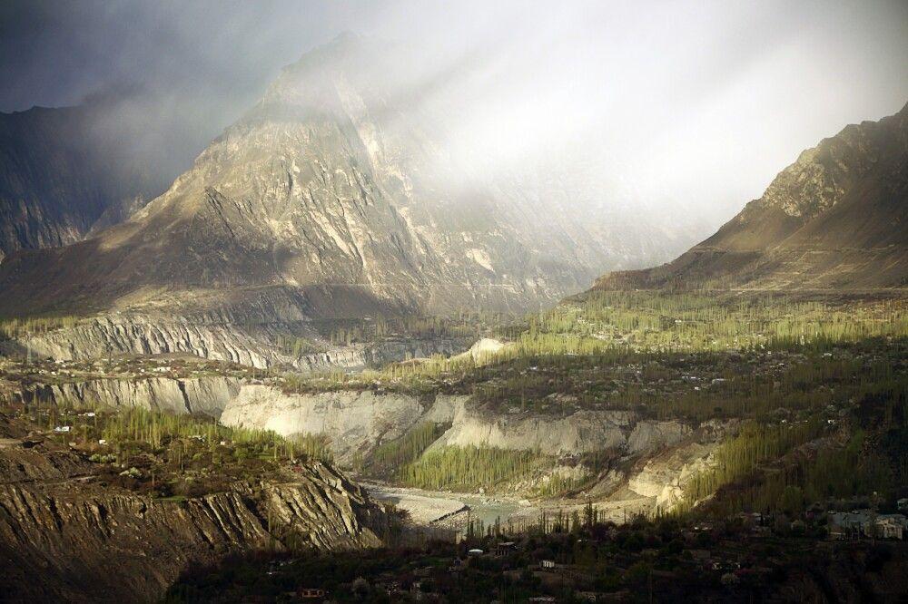 Fantastische Wolkenstimmung im Hunza-Tal.