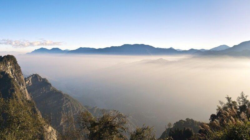 Panoramablick auf die Alishan Berge © Diamir