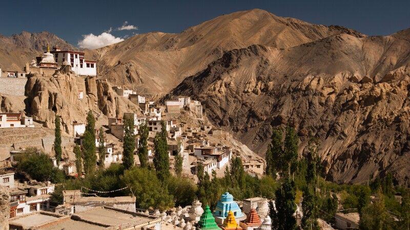 Stupas am Lamayuru Kloster © Diamir