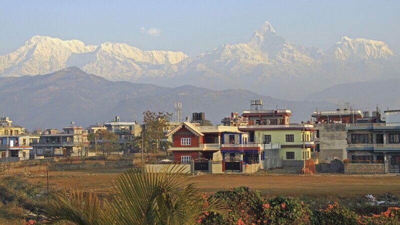 Pokhara mit Annapurna Himal im Hintergrund © Diamir