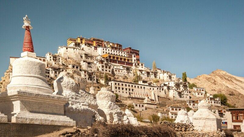 Das Kloster Thiksey befindet sich in Ladakh im Indus-Tal unweit von Leh © Diamir