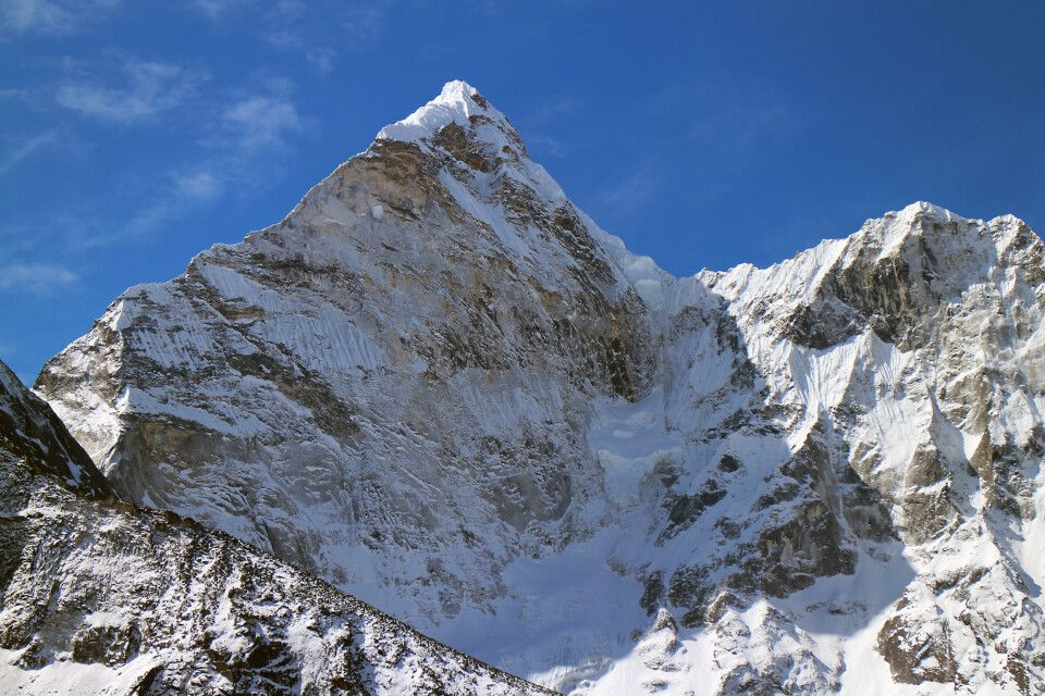 Blick von Chhukhung auf Ama Dablam (6812 m)