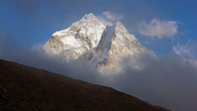 Blick von Periche auf Ama Dablam (6812 m) © Diamir