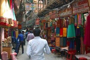 Textilienmarkt in Old Delhi