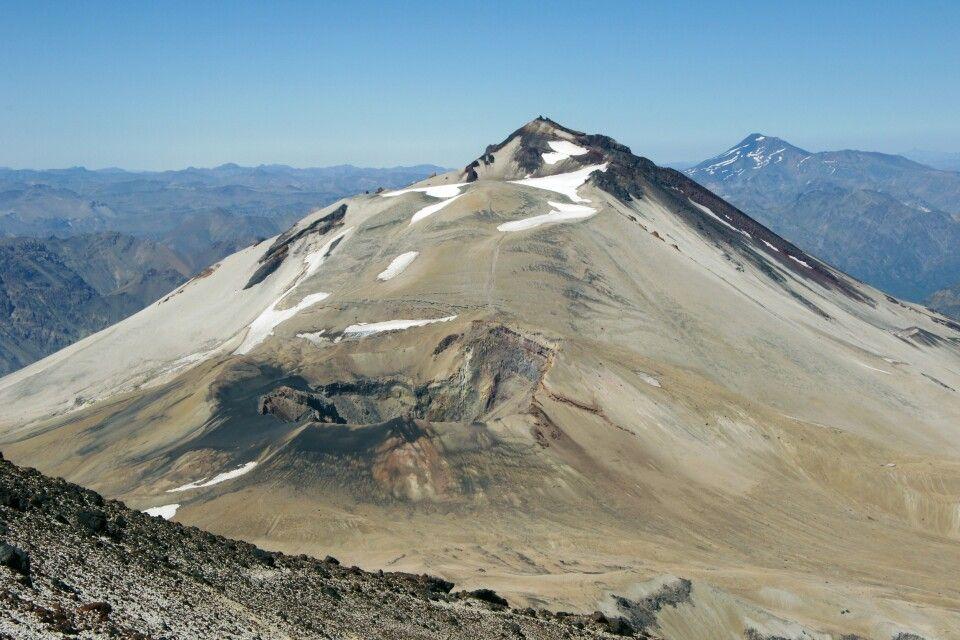 Blick in den Krater des Descabezado Grande