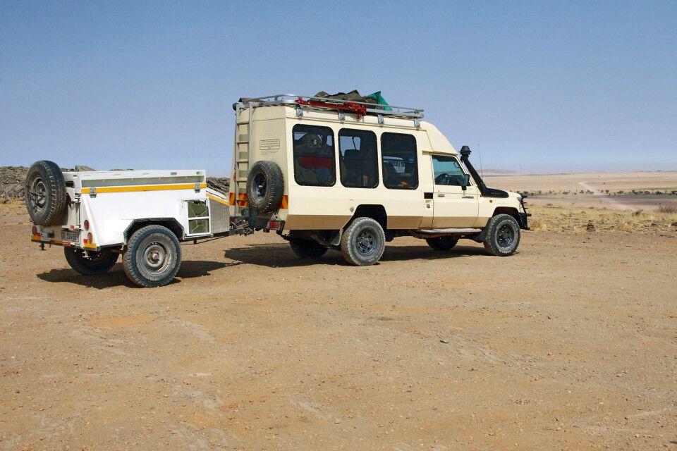 Reisefahrzeug Toyota Land Cruiser (10 Sitzer)