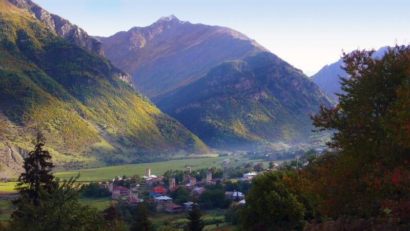 Swanetisches Dorf © Diamir