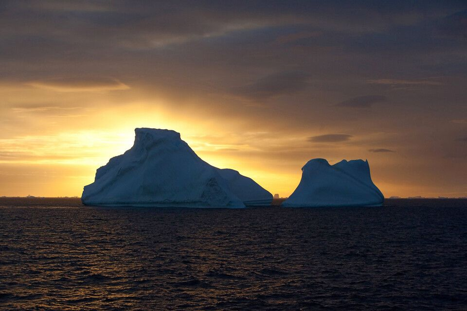 Sonnenuntergang vor toller Eiskulisse