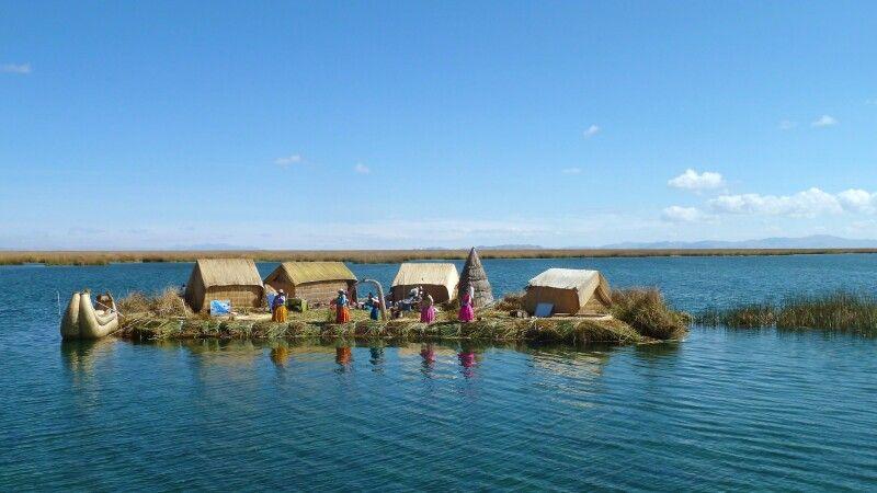 Uros-Inseln im Titicacasee © Diamir