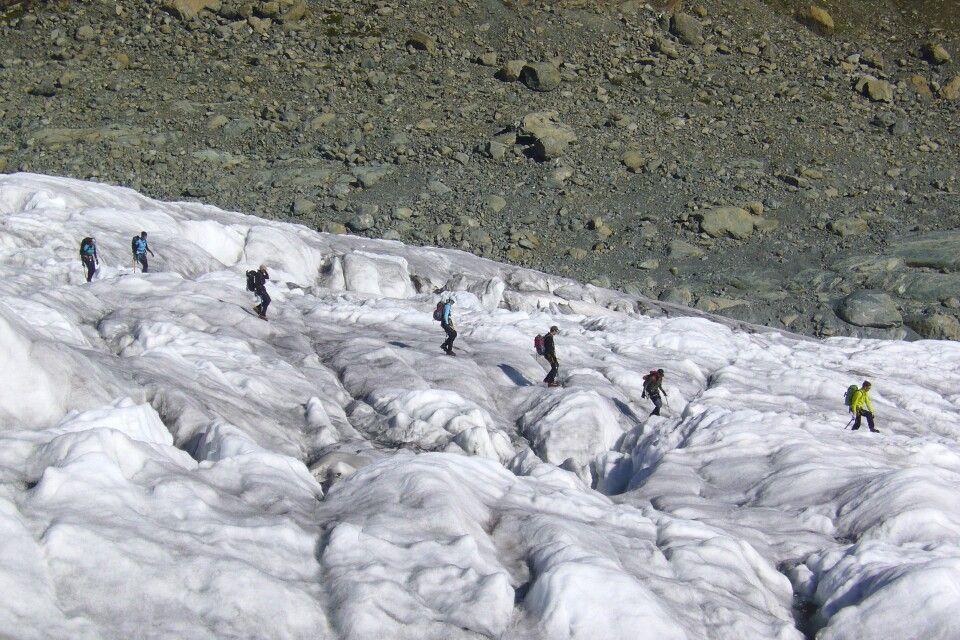Durch die imposante Gletscherlandschaft.