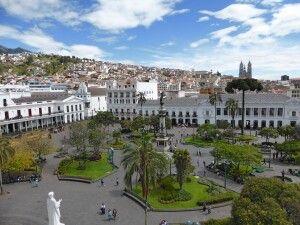 Blick auf den Hauptplatz von Quito