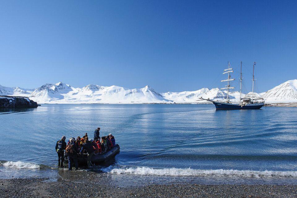 Spitzbergen pur: Anlandung an der Blomstrandhalvøya