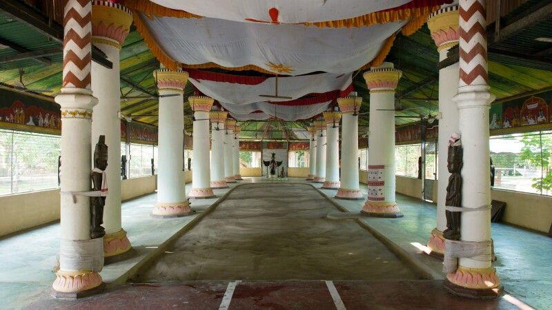 Shivadol-Tempel in Assam © Diamir
