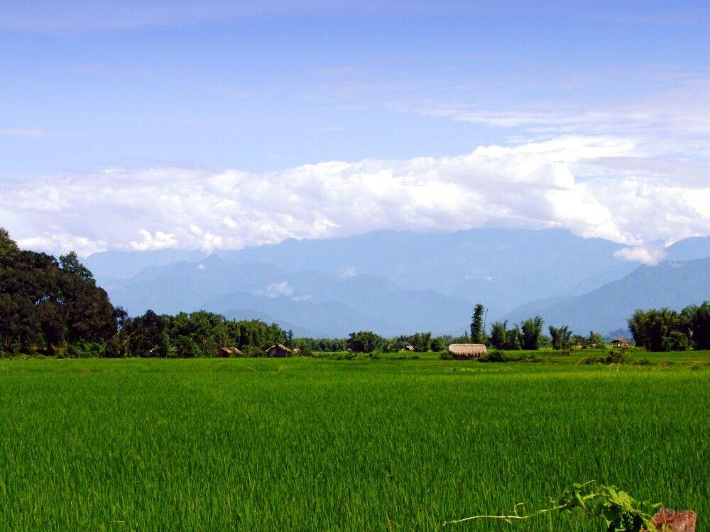 Aussicht von der Putao Lodge auf die Berge