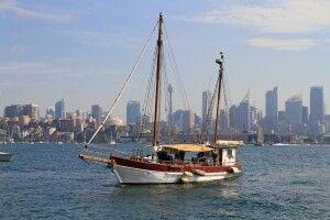 Mit dem Schiff durch die Ärmel Sydneys