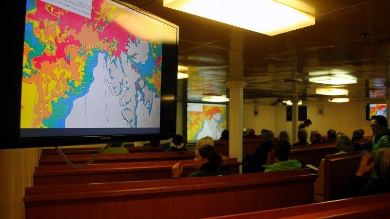 Lecture-Room auf der Ortelius © Diamir
