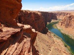Der Colorado River hat sich eine gewaltige Schlucht gegraben