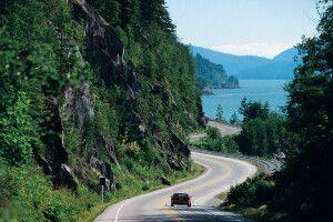 Auf dem Highway an der Küste entlang