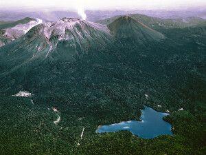 Vulkan Meakan-dake und Akan-See