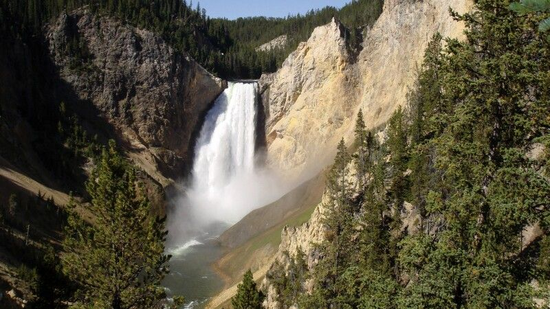 Wasserfall im Yellowstone NP © Diamir