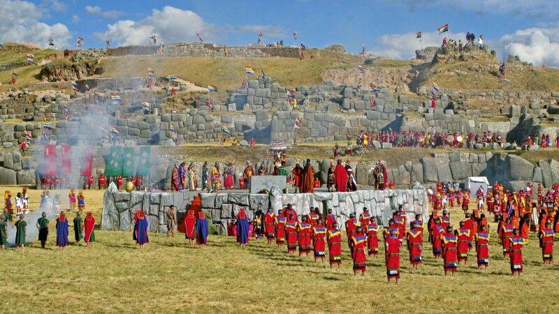 Das Fest Inti Raymi bei Sacsayhuaman © Diamir