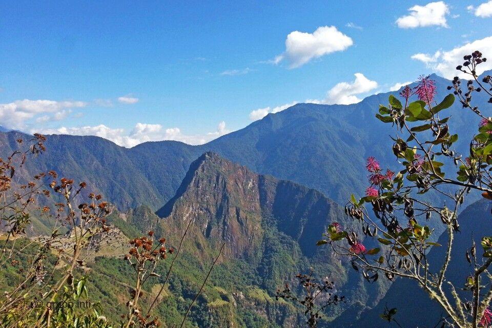 Blick vom Sonnentor auf Machu Picchu und den Huayna Picchu