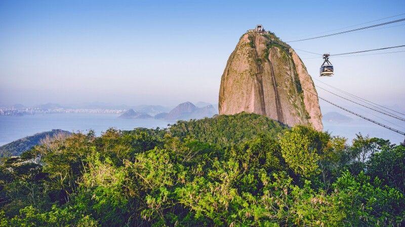 Seilbahn und Zuckerhut in Rio de Janeiro © Diamir
