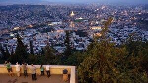 Blick auf Tiflis vom Mtatsminda-Park