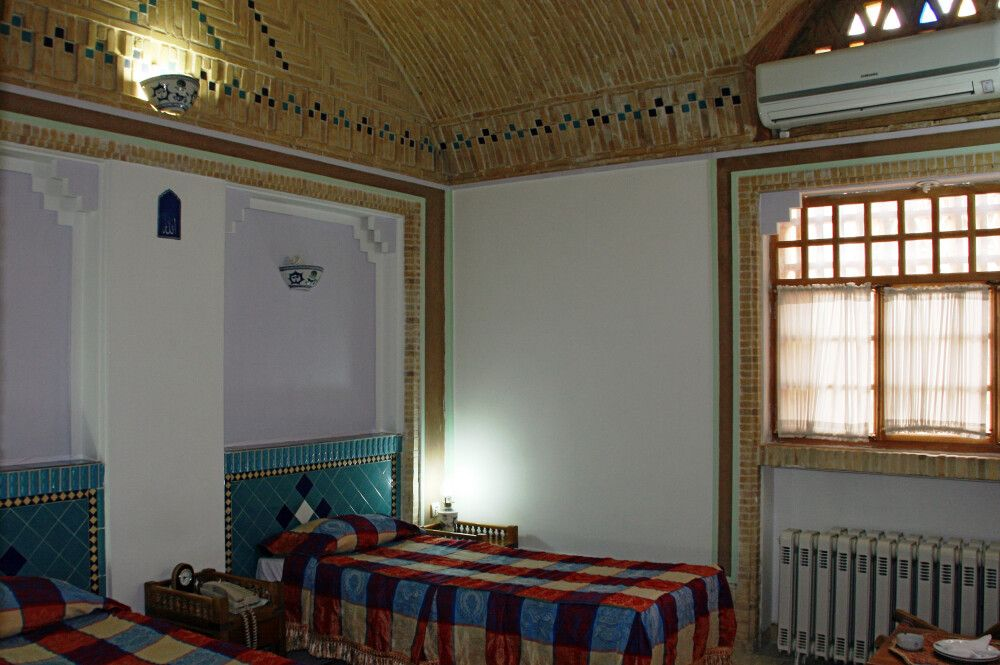 Hotel Mosirolmolk Yazd Zimmer