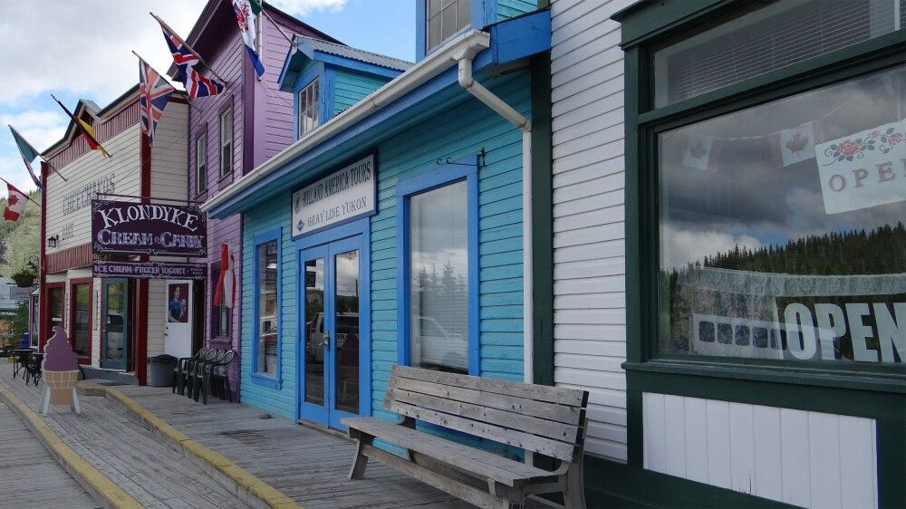 Historische Häuserfronten in Dawson City