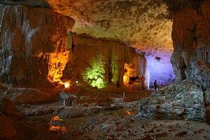 Höhle in der Halongbucht