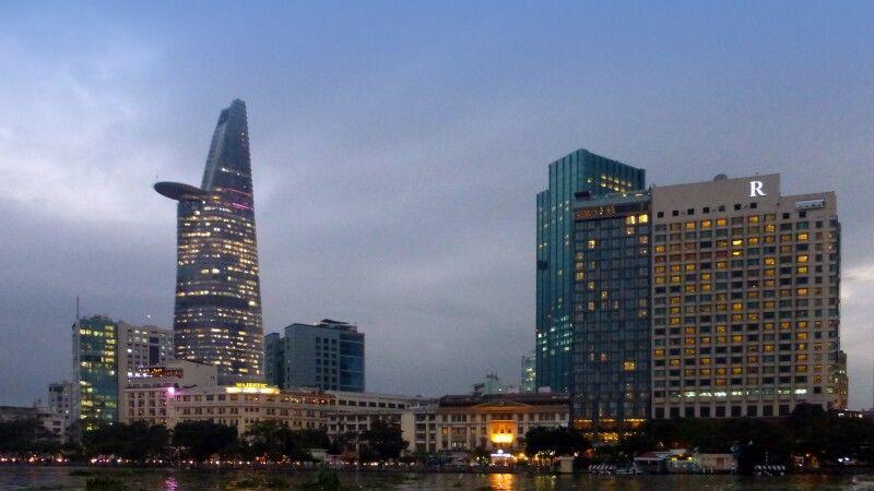 Blick auf die Skyline von Saigon © Diamir