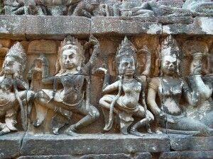 Relief der Asparatänzerinnen in Angkor Wat