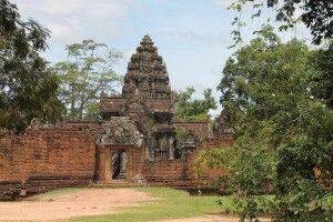 Ansicht aus der Ferne auf Banteay Srei
