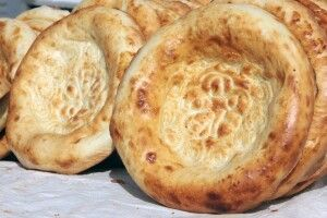 Duftendes Brot - man sagt, es ist das Nahrungsmittel, welches die Usbeken außerhalb des Landes am meisten vermissen