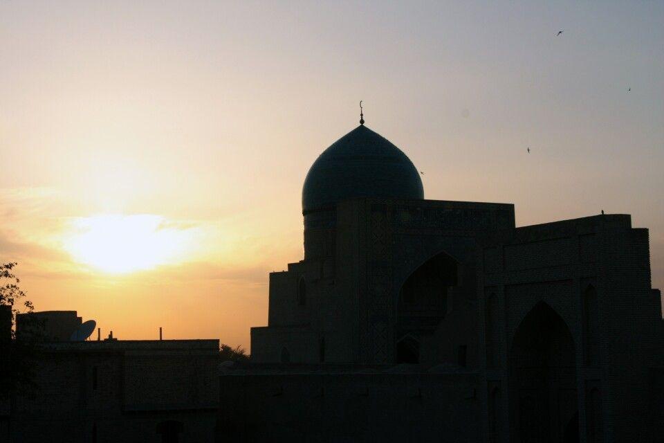 Sonnenuntergang über der Altstadt von Buchara